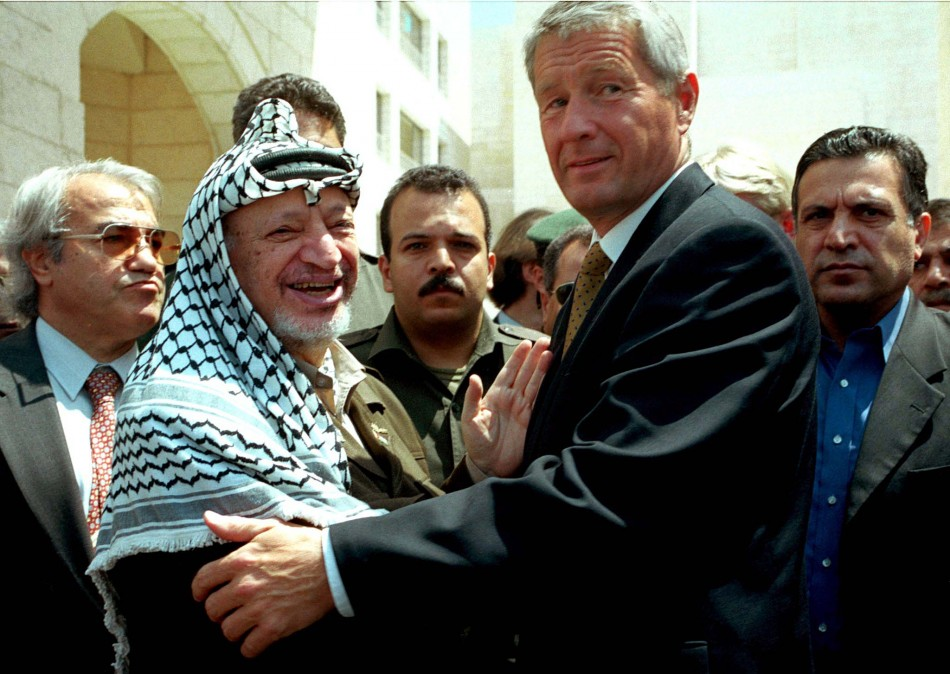 NORWEGIAN FOREIGN MINISTER THROBJOERN JAGLAND AND PRESIDENT YASSER ARAFAT