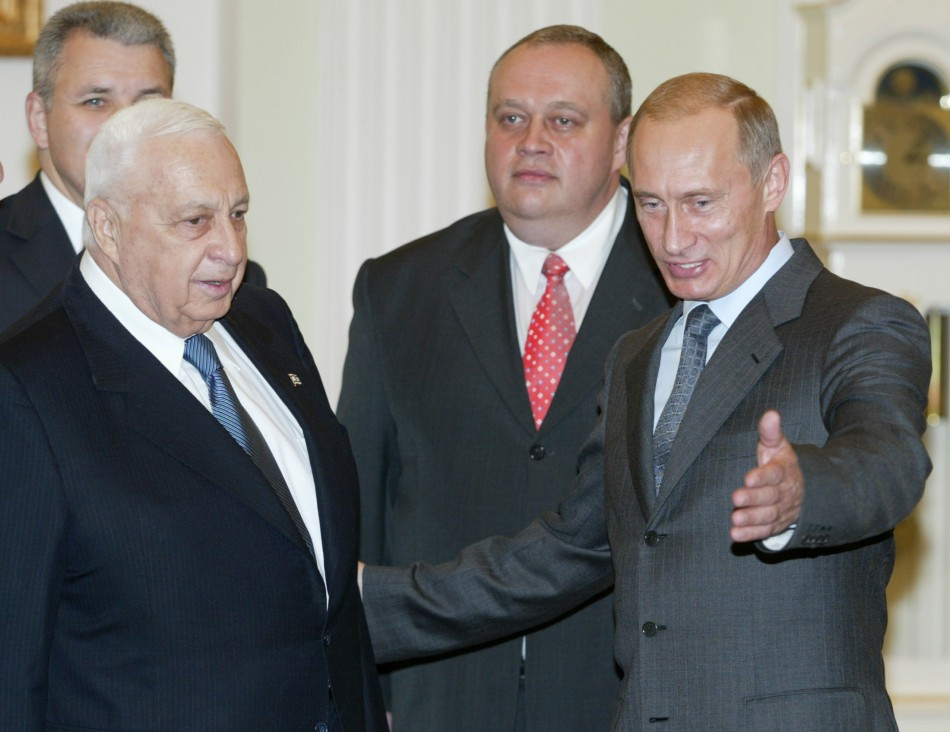RUSSIAN PRESIDENT PUTIN MEETS ISRAELI PM SHARON IN THE KREMLIN