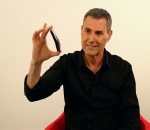 Uri Geller Claims iPhone 6 'Bendgate' is Caused by 'Mind Energy'