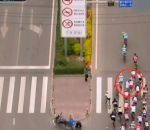 Man throws himself in front cyclists
