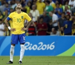 Neymar looks exhausted