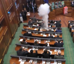 kosovo-opposition-releases-tear-gas-to-delay-parliament-vote
